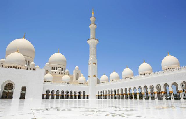 阿联酋谢赫扎耶德清真寺,圣洁与奢华同行