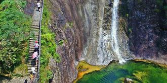 一个景区12个瀑布18个潭