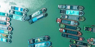 千年淮河上的船是一家