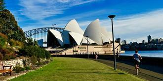 没有游人的悉尼歌剧院