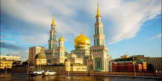 雨中莫斯科别有风情