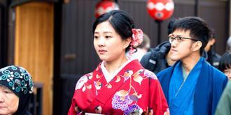 京都花街抓拍和服美女