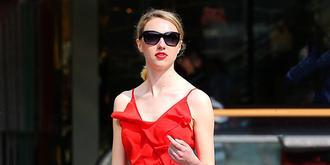 回头率超高的红裙美女