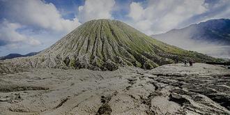 壮观的婆罗摩火山