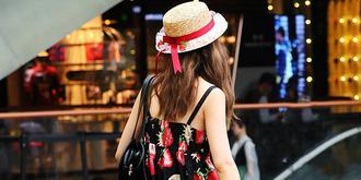 街拍夏季黑絲美女