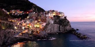 建在懸崖上的夢幻小鎮