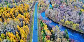 黑龙江五彩斑斓的秋日画卷