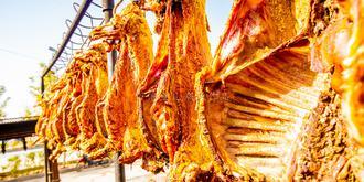 在新疆吃一只烤全羊多少錢