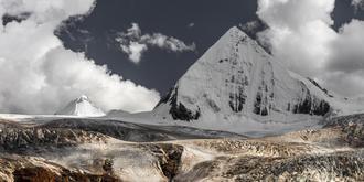萨普,一座正三角形雪山