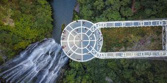 古龙峡网红玻璃桥