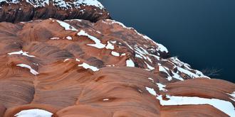 雪后的靖边波浪谷