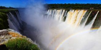 全球最寬瀑布寬4千米