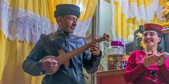 在塔吉克人家里过节