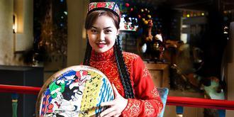 美丽的新疆姑娘