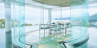 打卡日本唯美的玻璃水屋
