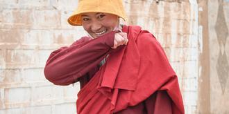 探访万里长江第一寺