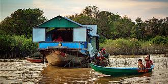 柬埔寨水上贫民窟