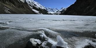 藏东秘境普玉冰川