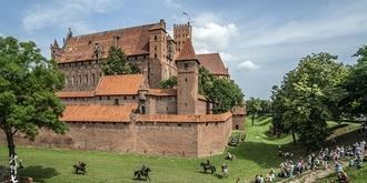 中世纪砖建堡垒的杰作