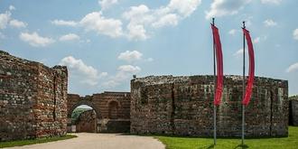 曾经辉煌的加莱里乌斯宫