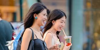 北京街头的时尚美女