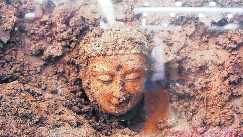 最大佛像坑重现消失千年的六朝古都