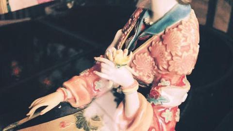 张爱玲:你是谁的红玫瑰,谁的蚊子血