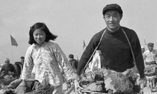 上世纪50年代的婚恋纯真而美好