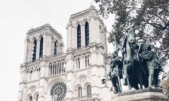 遭遇大火前如诗如画的人间天堂巴黎圣母院