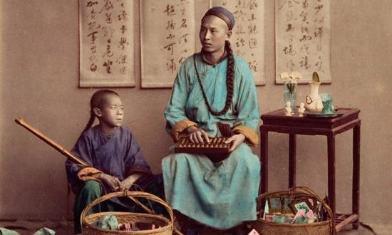 上色老照片:百年前留大辫子的清朝男人