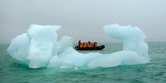 """北极,那些海上的""""冰雕"""""""