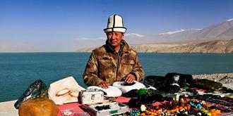 帕米尔高原上的卖玉人