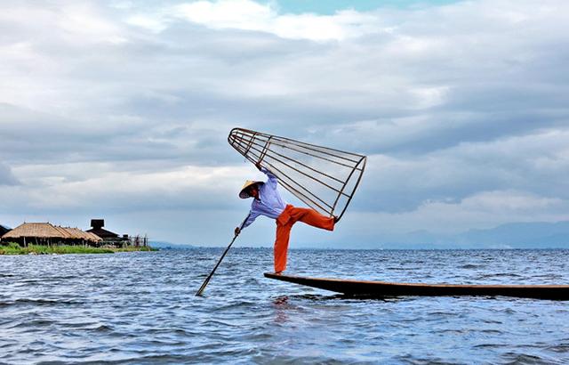 独脚渔夫,世界上最独特的捕鱼方式