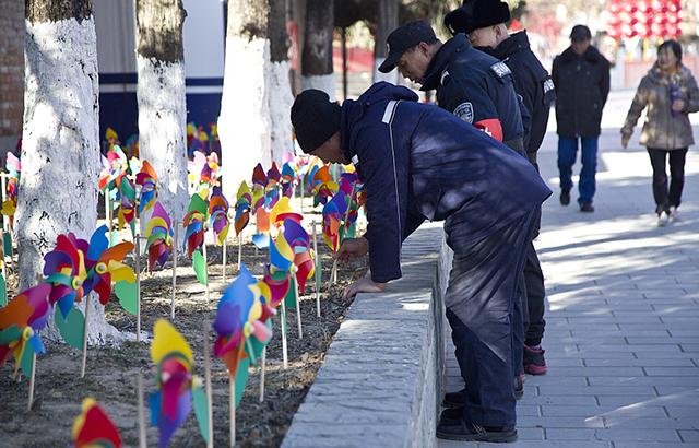 春节倒计时啦!公园红红火火备战庙会