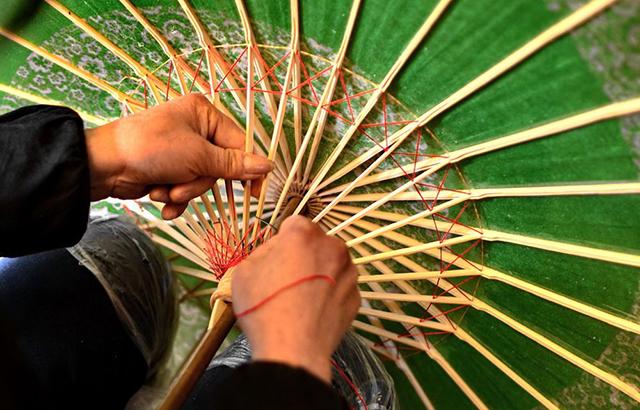 川行记:泸州小镇,寻访一把百年油纸伞
