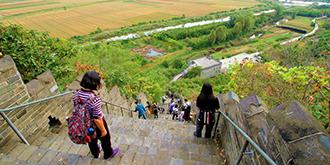 这座长城能看见朝鲜秋色
