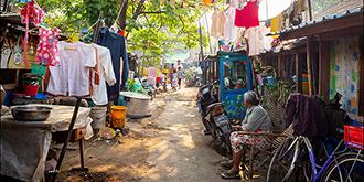 闯入缅甸贫民窟