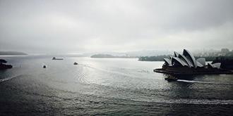 阴雨天另一番韵味的悉尼