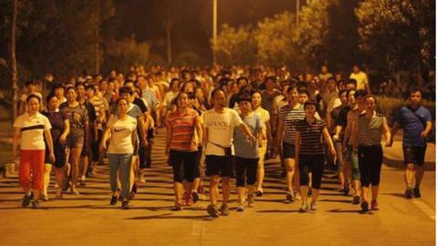 暴走团骑行团广场舞:应止于权利边界