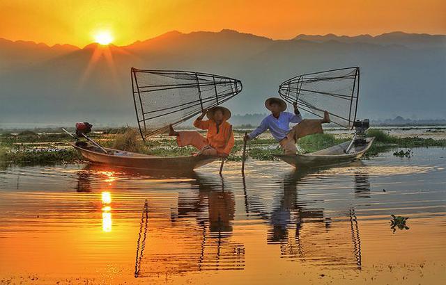 茵莱湖独脚船夫,全球最精彩的捕鱼场景