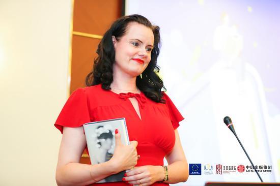 丹麦作家 莱诺拉・克莉丝汀娜・斯科夫(Leonora Christina Skov)介绍了自己的作品