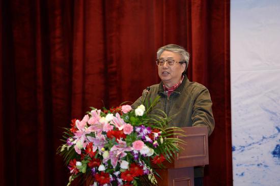 著名评论家李炳银发言