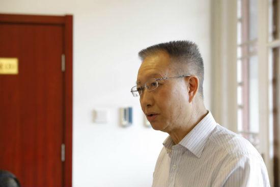 北京大学中文系主任陈晓明主持对谈活动