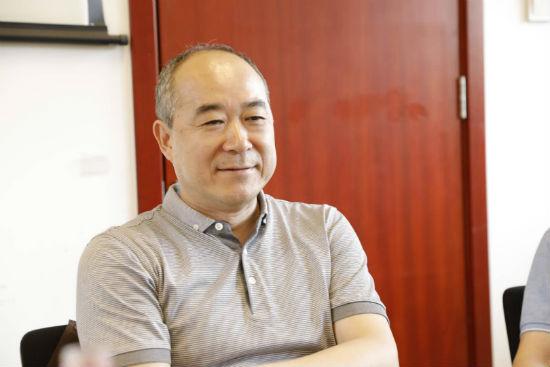 《十月》主编陈东捷