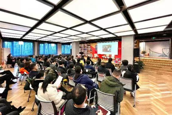 《习近平扶贫故事》学习分享会在中央党校(国家行政学院)大有书馆举行