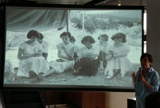 学生时代的三毛(左一)