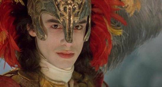 及阉人歌手的兴趣,几乎都是来自一部电影,《绝代妖姬》(farinelli).