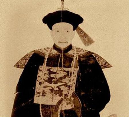 """和珅做了乾隆的粉丝和""""义子"""""""