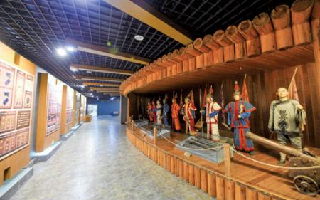 小站练兵园展厅内展示的实物展品
