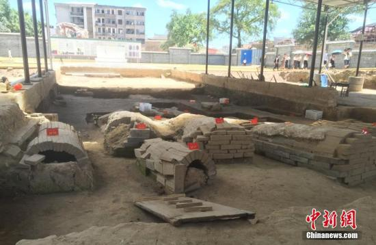8月28日,位于江西抚州市临川区文昌里灵芝园内的汤显祖家族墓园遗址。中新社记者 吴鹏泉 摄